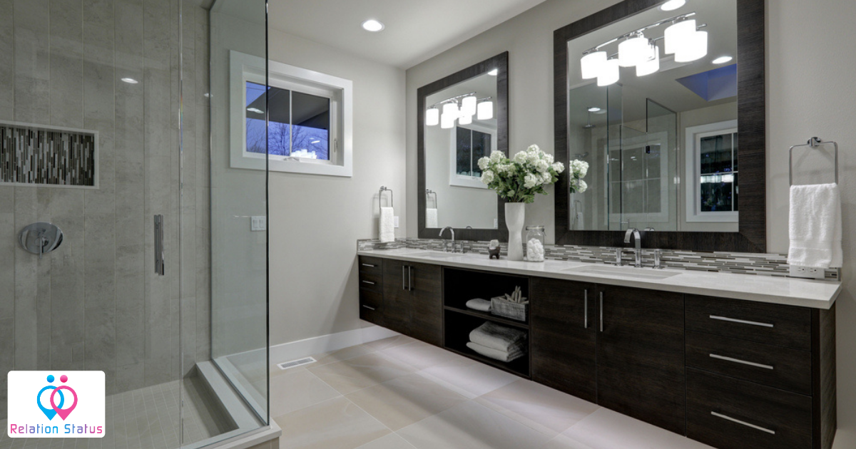 Know the Difference Between Pivot Shower Doors and Sliding Door for your Bathroom