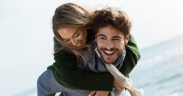 10 Ways to Make Her Smile & fall in Love with you again!